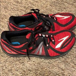 Brooks Running shoes - too big for me size 9.5 med
